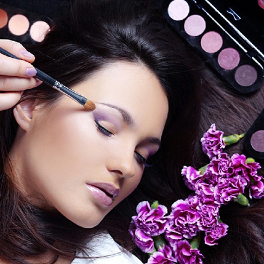 Мастер-класс по макияжу для желающих стать профессионалами